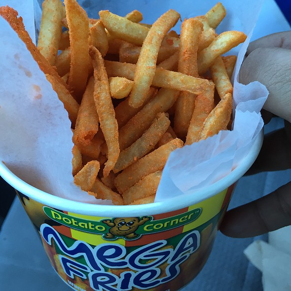 Mega Original Fries With Cheddar @ Potato Corner