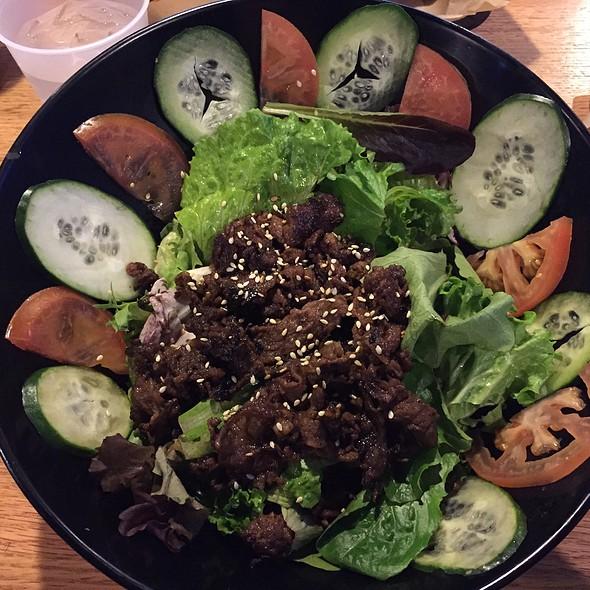 Fire Beef Salad @ LA Burger