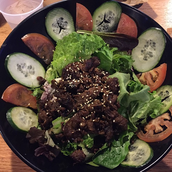 Fire Beef Salad @ LA Burger