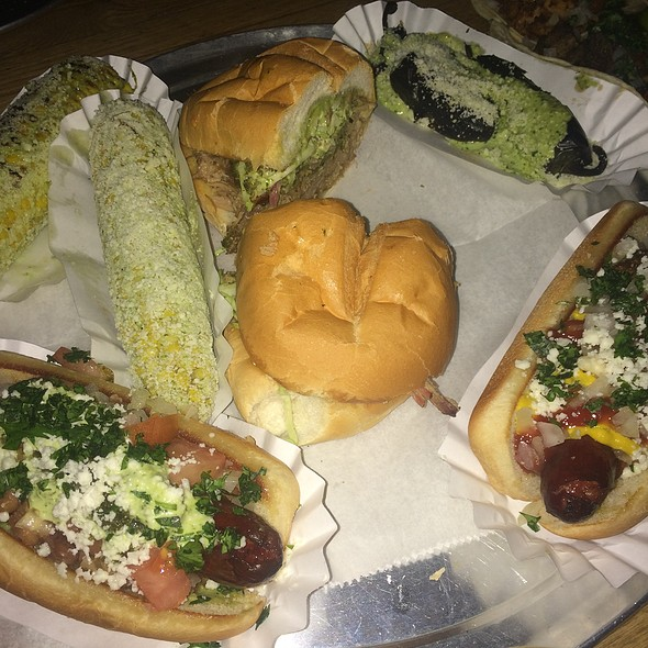 Torta, Elote, Hot Dogs