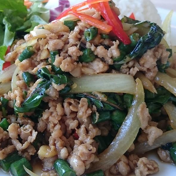 Pad Kra Pow Gai @ Kin Kao Thai Kitchen
