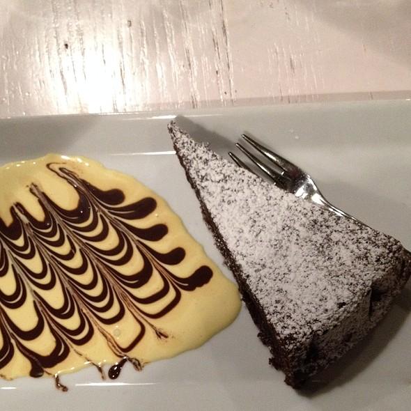 Torta Caprese @ Rossopomodoro