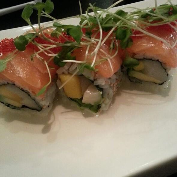 Jia asian fusion and sushi bar menu foodspotting for Asian fusion cuisine and sushi bar