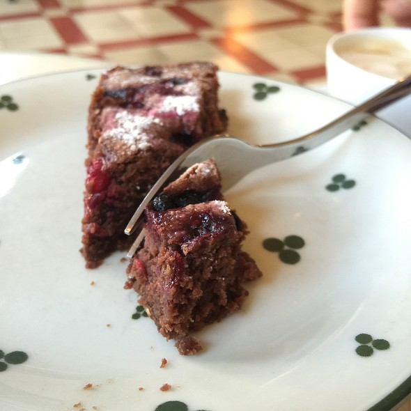 Chocolate and Beetroot Cake @ Supersense