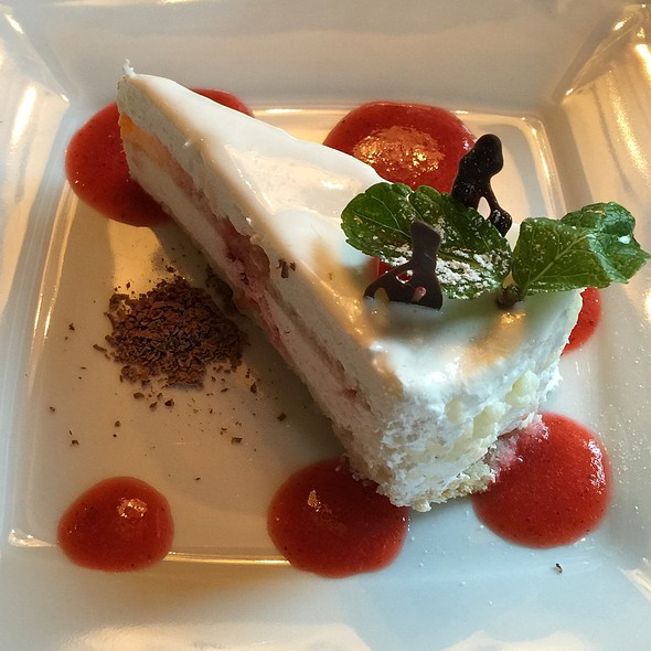 White Dream @ Cafe Fresh