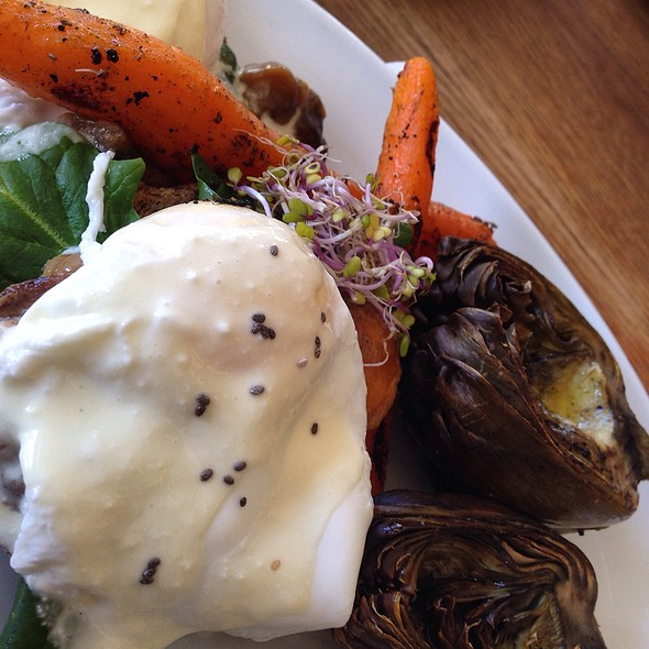 Healthy Veggie Eggs Benedict @ Flax&Kale