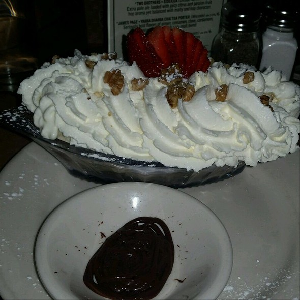 Banana Split @ Tavern 18