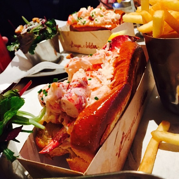 lobster roll @ Burger and Lobster