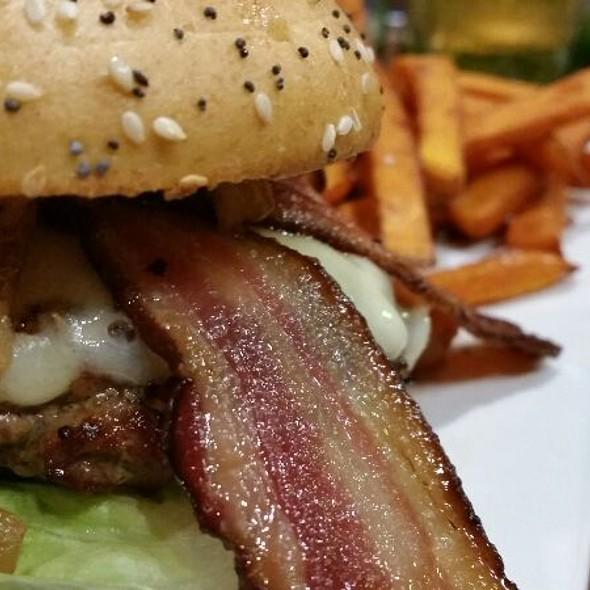 See Canyon Burger @ Chop Street