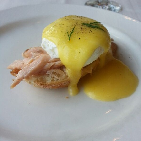 Salmon Benedict - Nicollet Island Inn, Minneapolis, MN