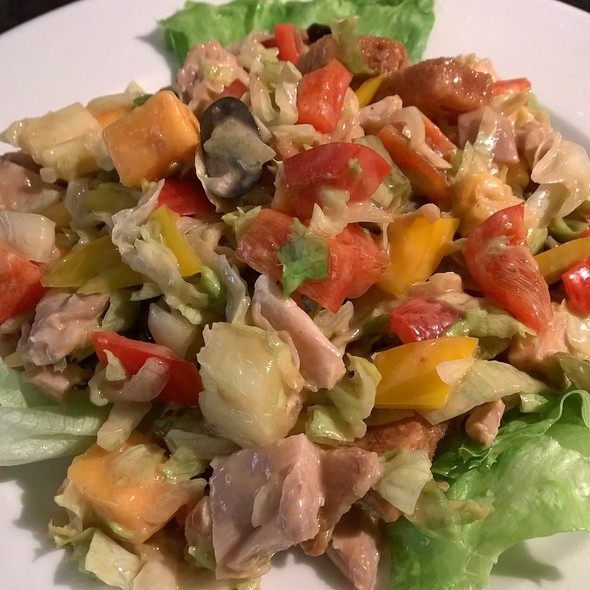 Chicken Salad @ Saape Lounge TRM