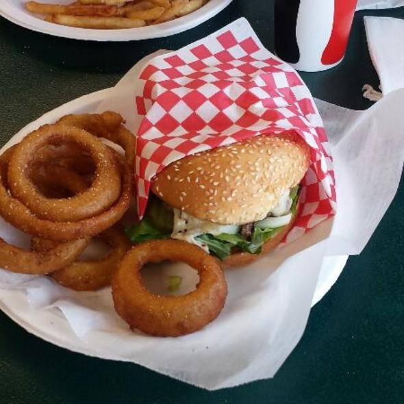Stella Bleu Burger @ Tommy's Burger Stop