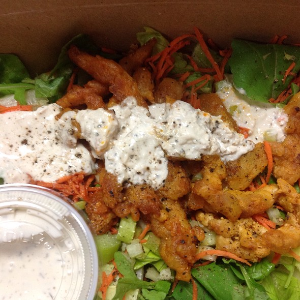 Buffalo Chik'n Salad