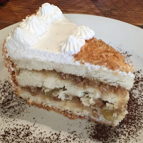 Alabama Lana Cake