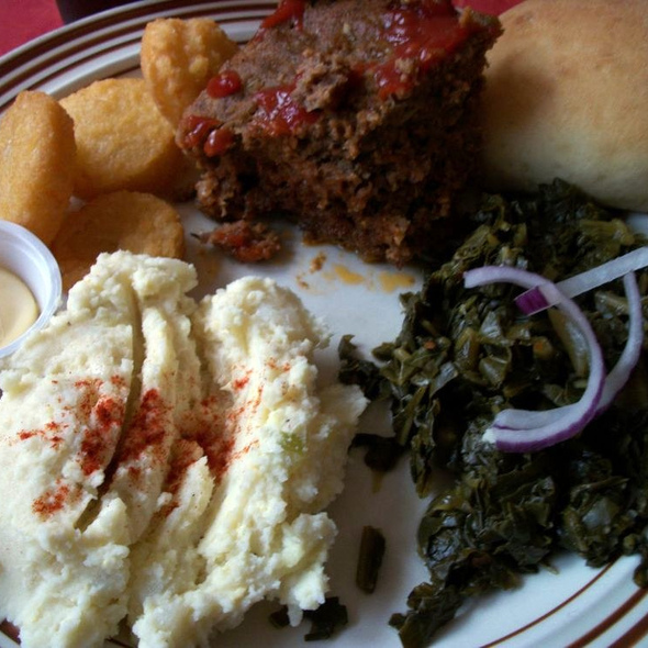 home style comfort food @ Cahoots Cafe