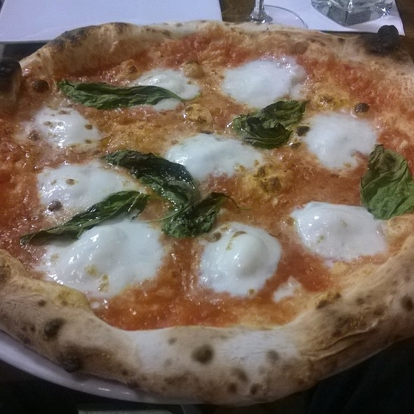 Pizza Margherita - Dante, Omaha, NE