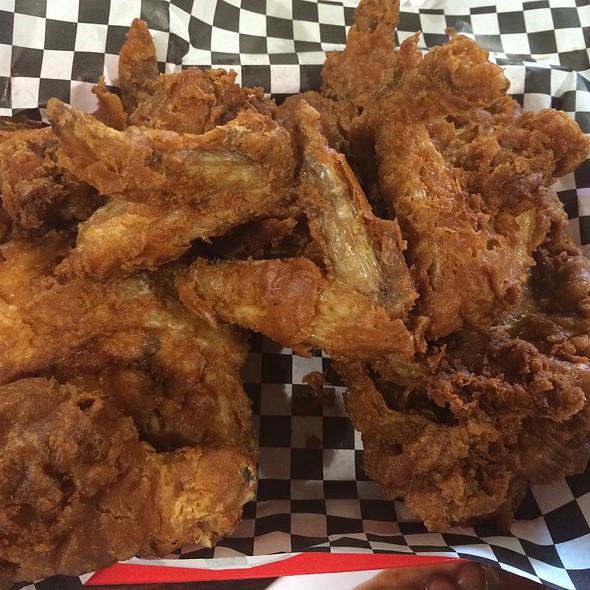 fried chicken @ Willie Mae's Scotch House