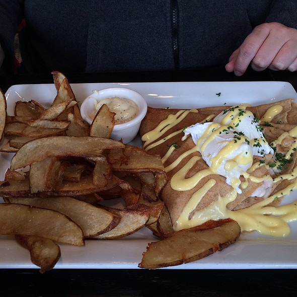 Crepes Benedict @ The Aviary