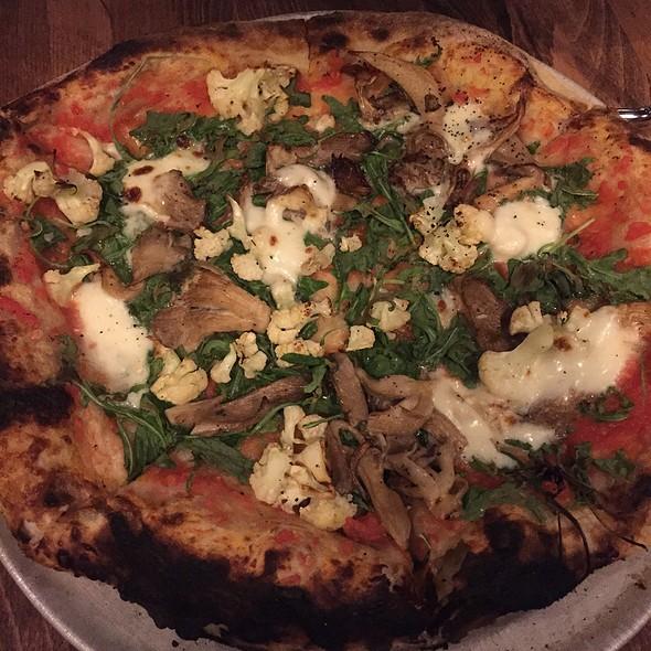 Mushroom Man Pizza @ Brewer's Fork