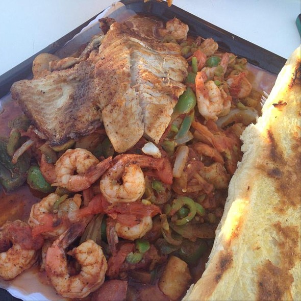 Tray With Fish And Shrimp
