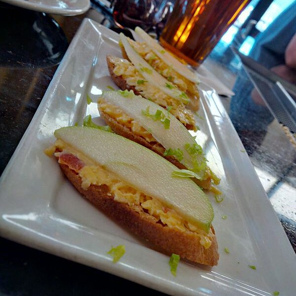 Pimento Cheese Toasts (Appetizer)