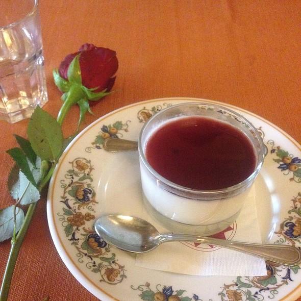 Cherry Pannacotta @ Taberna Piscinula