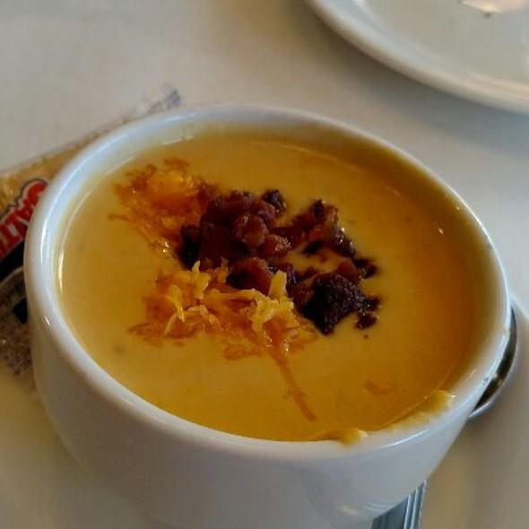 Wisconsin Beer Cheese Soup @ Benvenuto's Restaurant