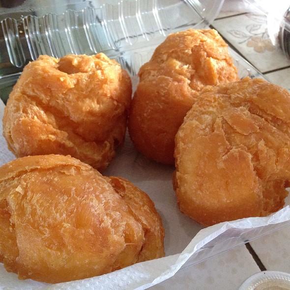 Hong Kong Style Egg Puffs