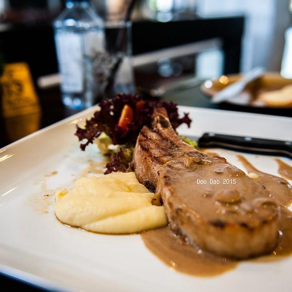 Smoked Ham Pork Chop @ Midwinter Green