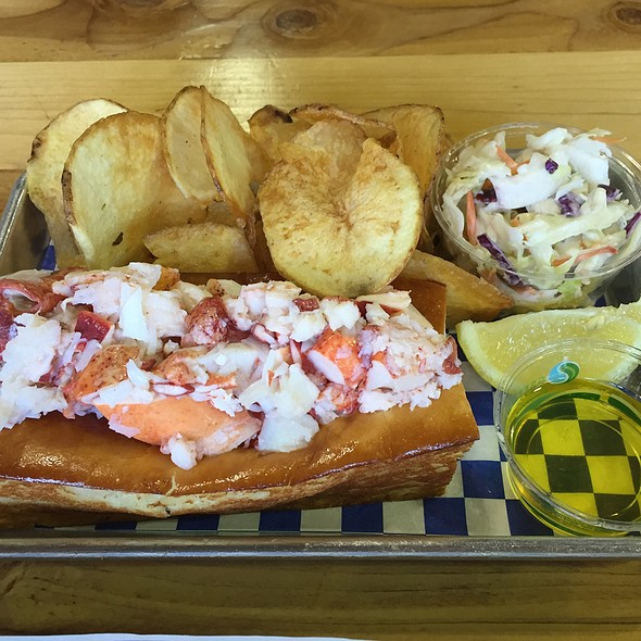 Naked Lobster Roll @ New England Lobster Market & Eatery