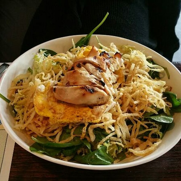 Frisee Salad With Chicken @ Family Meal