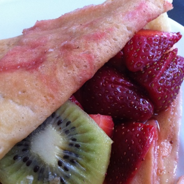 Strawberry Crepes @ Mr Crepe