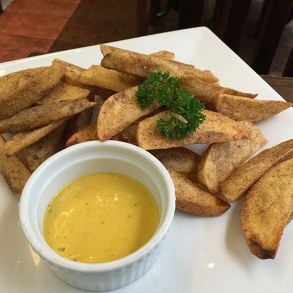 Potato Wedges @ House of Lasagna