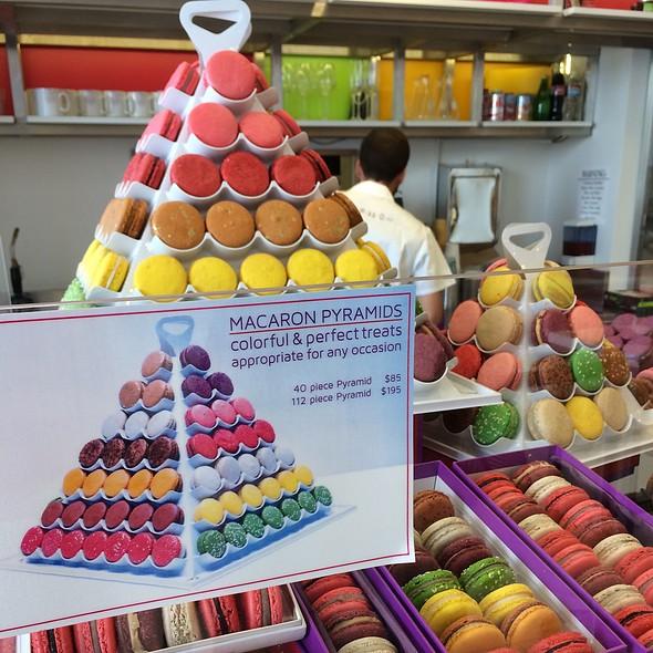 Macaroons @ Tout Sweet
