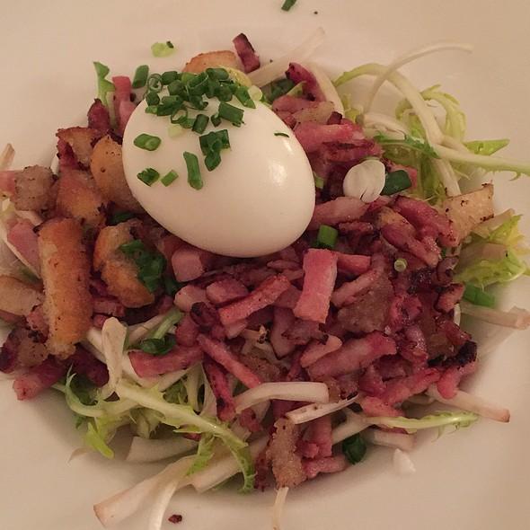 Salade De Pissenlit Oeuf Mollet @ S'Musauer Stuebel