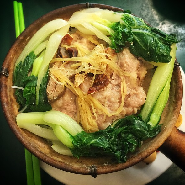 Salted Fish and Minced Pork Rice in Clay Pot @ Utopia Cafe Restaurant