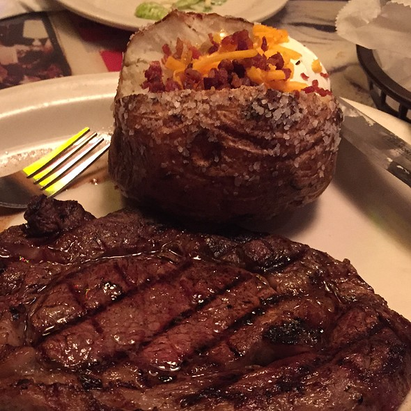 12Oz Ribeye Steak @ Texas Roadhouse