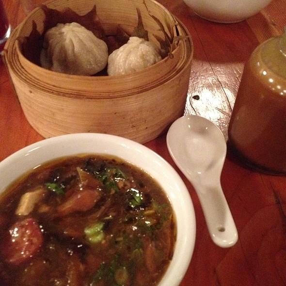 Hot And Sour Soup With Dumplings @ Cabane à sucre au pied de cochon