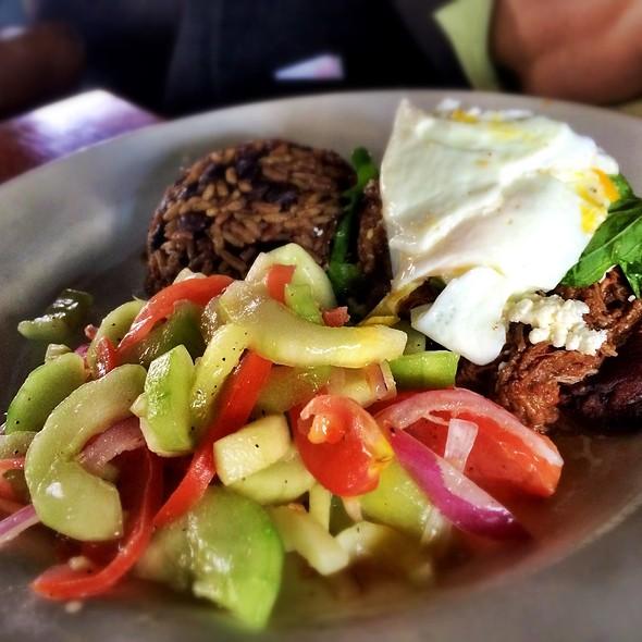 Ropa Vieja Con Huevos - Alegria Cocina Latina, Long Beach, CA