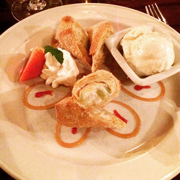 Apple Pie Spring Rolls @ Solstice Kitchen & Wine Bar