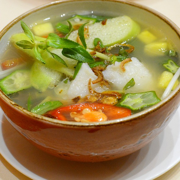Hot & Sour Soup with Basa Fish,巴沙魚酸辣湯  @ Le Soleil 越南餐廳
