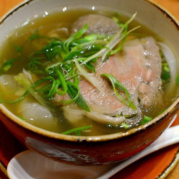 Vietnamese Beef Noodles in Soup,越式生熟牛肉河 @ Le Soleil 越南餐廳