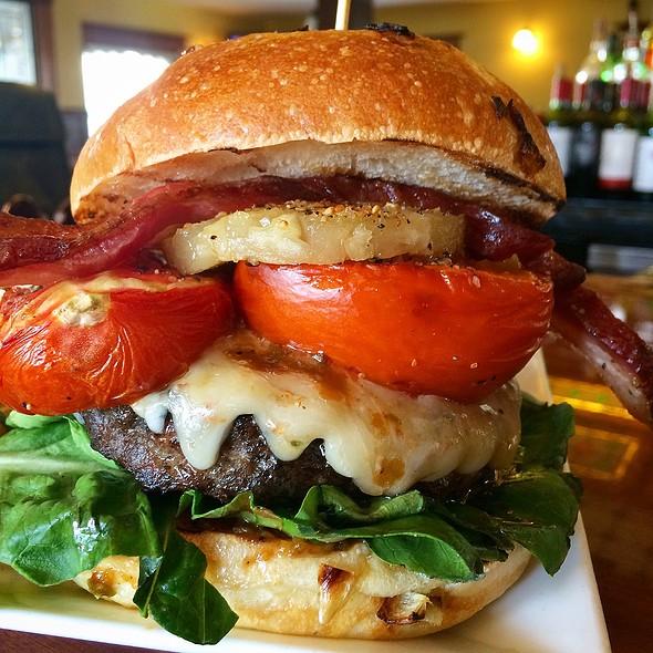 Bbc2 Burger @ Kupros Craft House