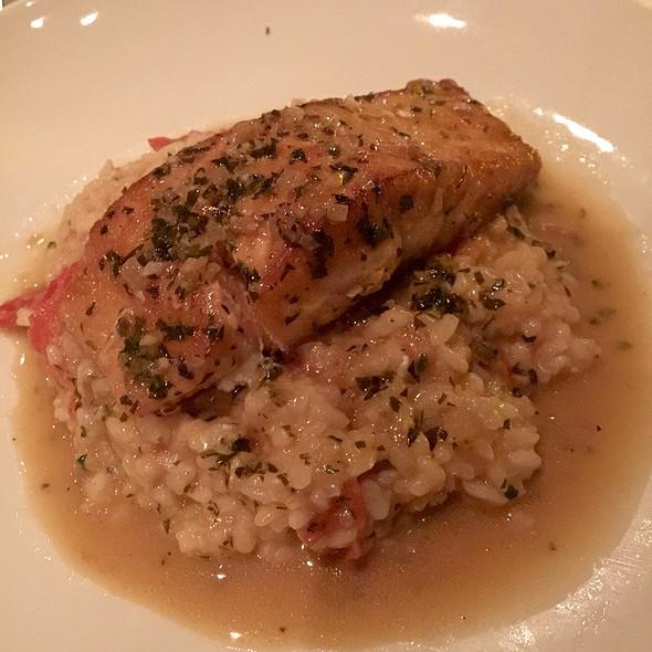 sauteed salmon - Dressler's Restaurant - Metropolitan (Midtown), Charlotte, NC