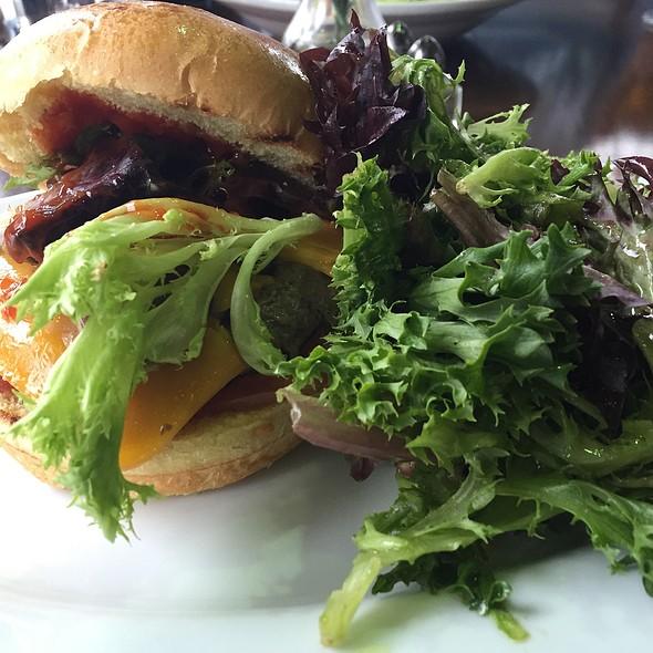 Buffalo Burger - Acacia Bistro & Wine Bar, Washington, DC