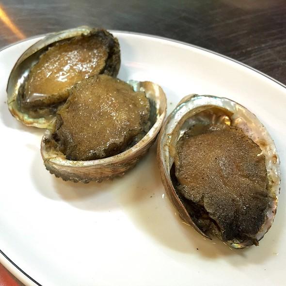 燒烤大鮑魚 @ 轉角海鮮食堂