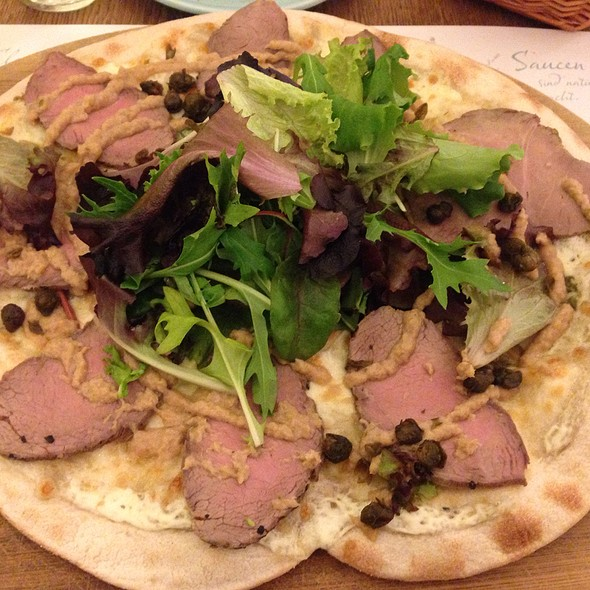 Pizza Fina Vitello @ Mama Trottaria
