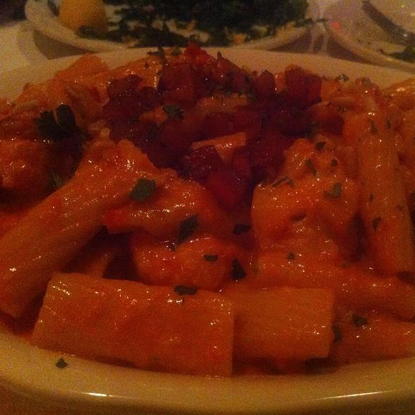 Rigatoni With Pancetta, Roasted Cauliflower & Pancetta