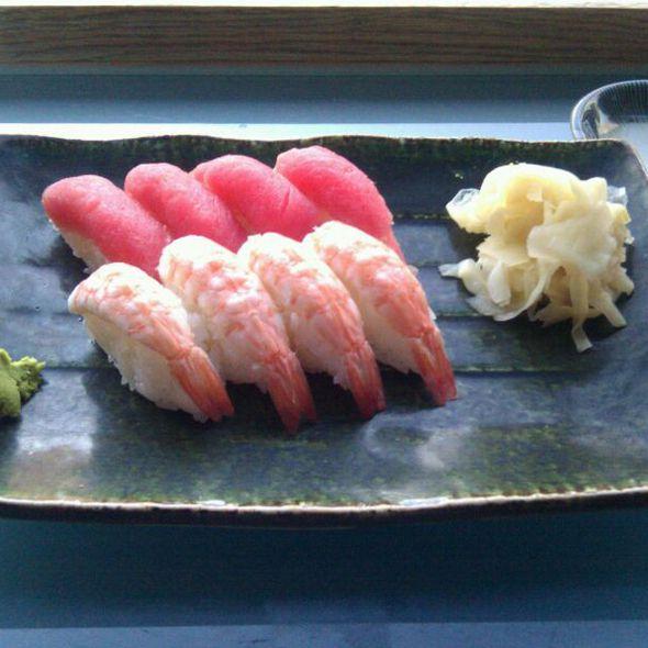 Sushi @ Itamae Sushi