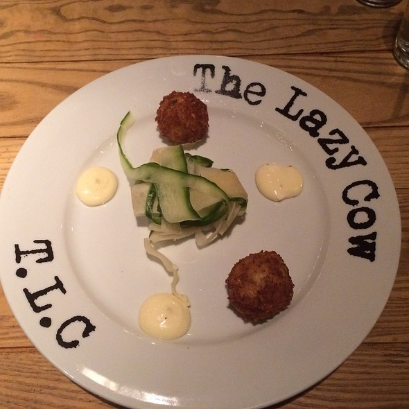 Maryland Crab Cakes @ The Lazy Cow